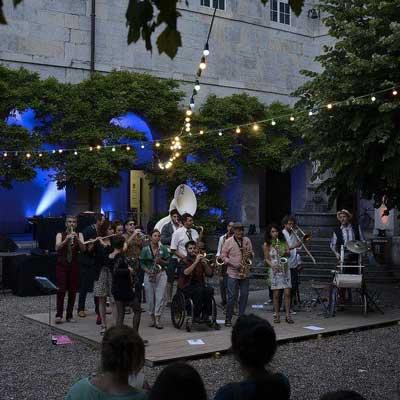 fanfare-battant-festival-bitume-plumes-2017