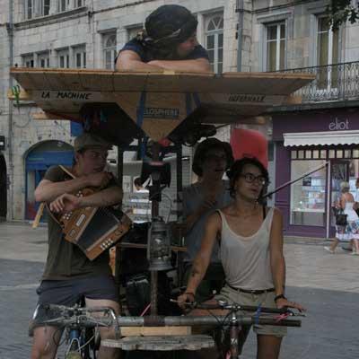 voyage-en-quadridem-festival-bitume-plumes